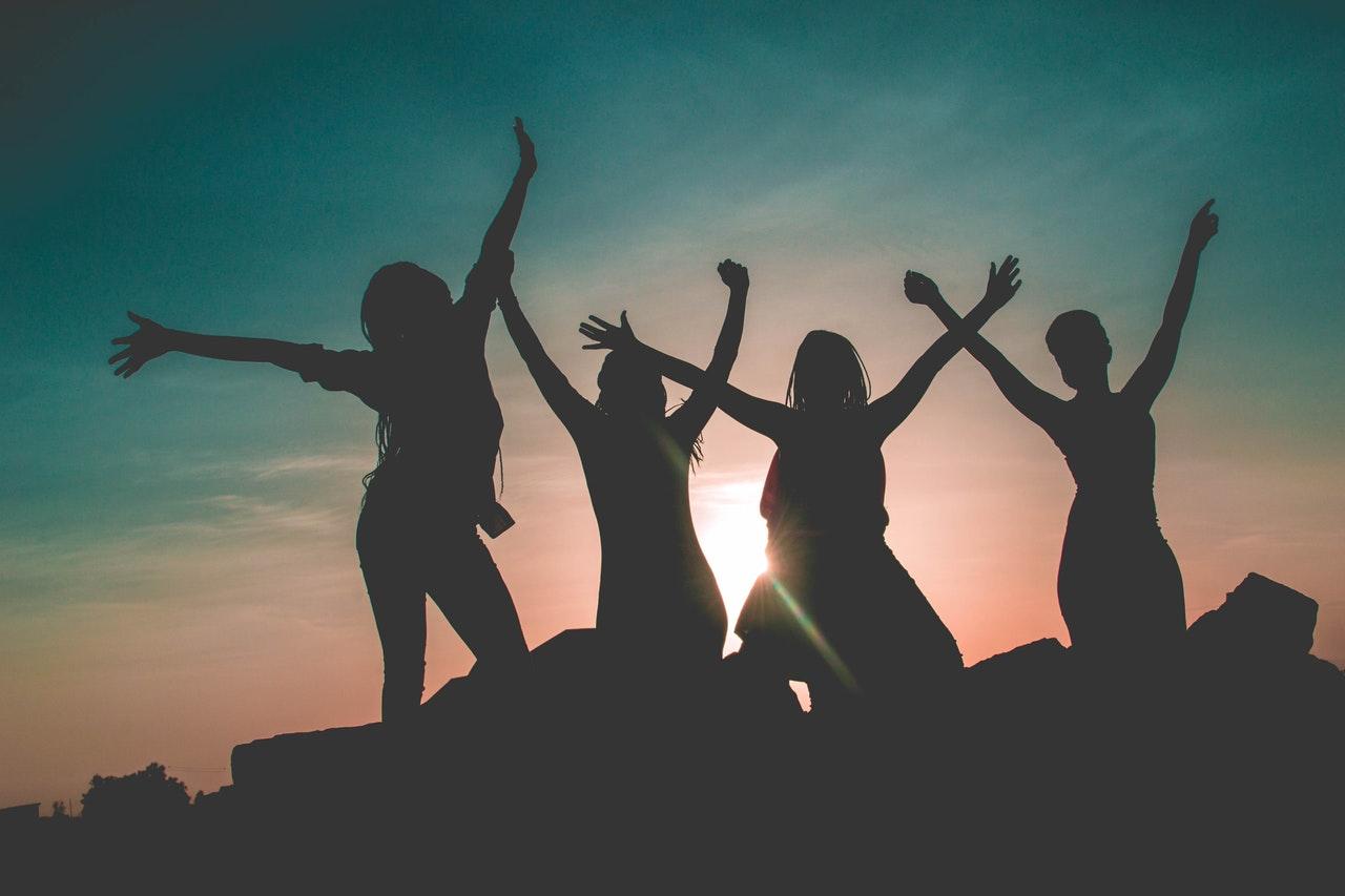 grupul-carla-femei